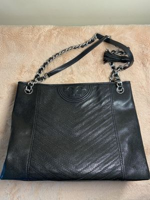 Tory Burch Fleming Distressed Tote Bag 👜 for Sale in Arlington, VA