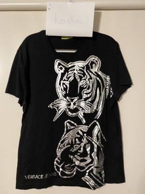 Versace T-shirt Size XXL for Sale in McMurray, PA