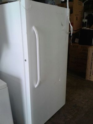 Brand new Frigidaire freezer excellent condition for Sale in Baltimore, MD
