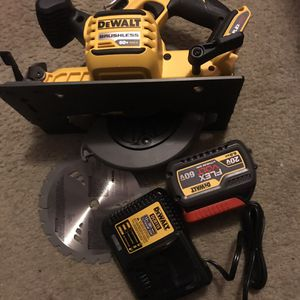 Flexvolt circular saw nueva for Sale in Silver Spring, MD