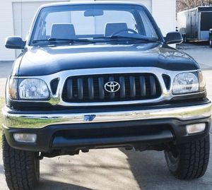 LOTS OF POWER TOYOTA TACOMA CLEN TITILE for Sale in Millvale, PA