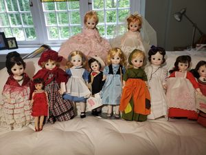 Lot of 12 Madame Alexander dolls for Sale in Brazil, IN