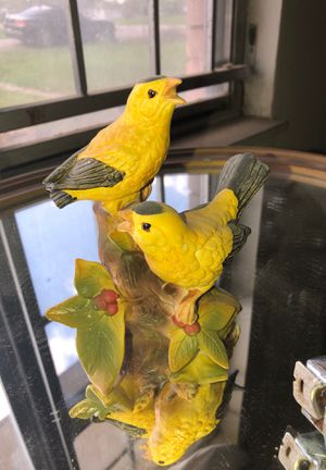 Collectible American Goldfinches statue for Sale in Houston, TX