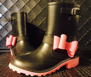KIDS RAIN BOOTS size 2 for Sale in Bronx, NY