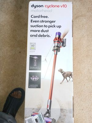 Dyson v10 for Sale in Stone Mountain, GA