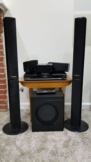 Panasonic SC-PT770 5-disc DVD home theater system with wireless rear speakers and iPod® dock for Sale in Washington, DC