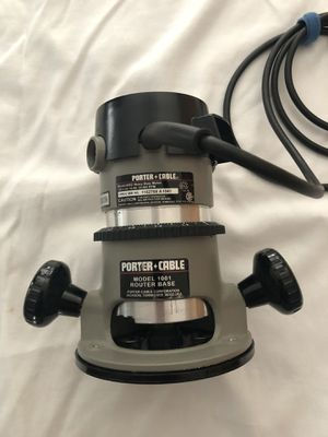 Porter Cable 690 Router with Plunge Base and Edge Guide for Sale in UPPER ARLNGTN, OH