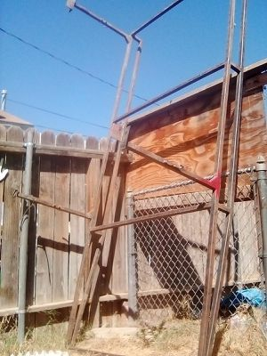 Husky ladder rack for Sale in Bakersfield, CA