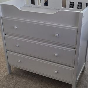 GREAT CONDITION - Changing Table with Dresser (Baby Nursery/ Toddler) for Sale in Atlanta, GA