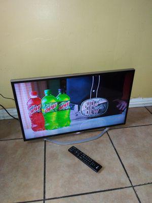 """Tv 32""""(no smart) for Sale in El Monte, CA"""