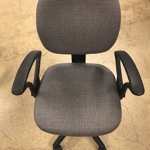 Office Desk Chair No Rips Or Stains for Sale in Westmont, IL