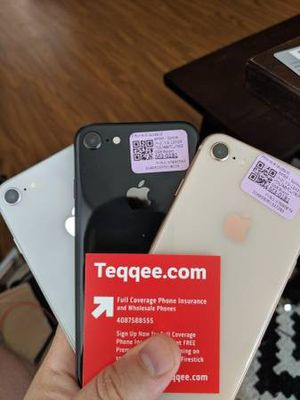 3 sim unlocked Apple iPhone 8 64gb for Sale in Elk Grove, CA