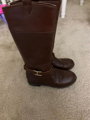 Like new girl boots size 1 for Sale in Las Vegas, NV