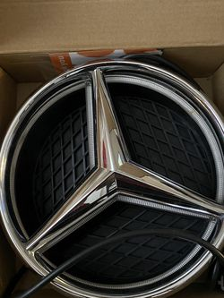 Mercedes Benz Illuminated Emblem for Sale in Charlotte,  NC