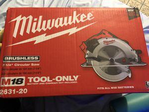 Milwaukee M18 7 1/4in circular saw for Sale in Lomita, CA