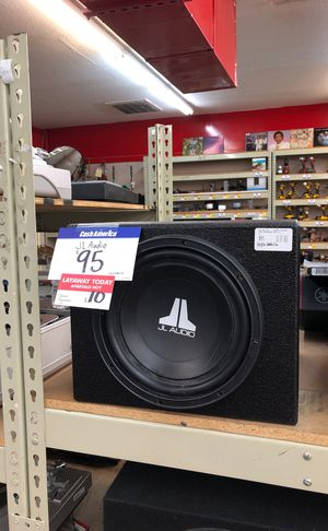 JL AUDIO subwoofer in pro box for Sale in Dallas, TX