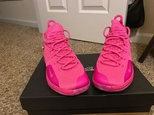 Nike KD11 Aunt Pearl size 7 for Sale in Charlotte, NC