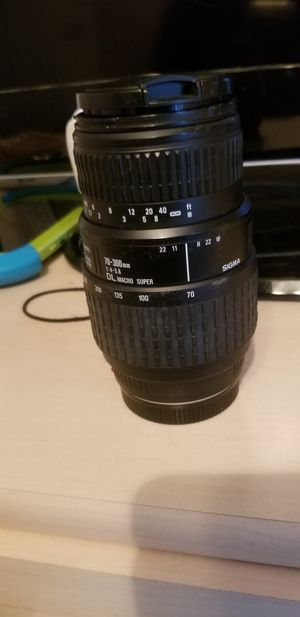 Sigma lens 70-300mm for Sale in Lewisville, TX
