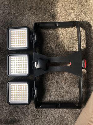 Phone tripod with lights for Sale in Modesto, CA