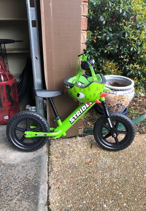 Strider bike with helmet for Sale in Fort Smith, AR