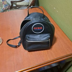 Guess Back Purse for Sale in Clearwater, FL