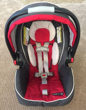 Graco SnugRide Click Connect 35 Infant Car seat Chili Red for Sale in Gilbert, AZ