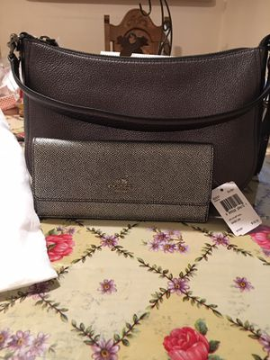 Coach bag and wallet for Sale in Bakersfield, CA