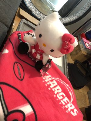 Hello kitty character and throw set for Sale in Chula Vista, CA