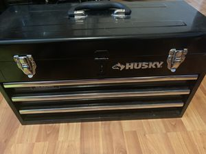 Husky tool box for Sale in Lancaster, OH