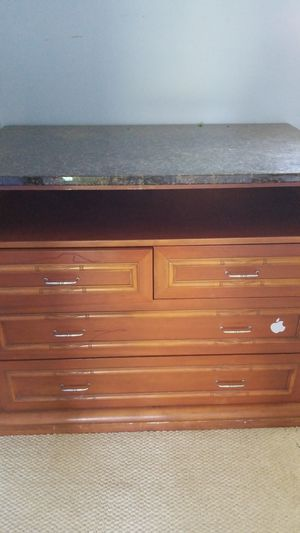 Dresser for Sale in Waimea, HI