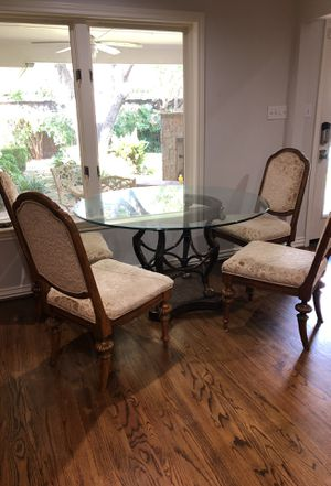 "Kitchen table 48""round and four chairs for Sale in Dallas, TX"