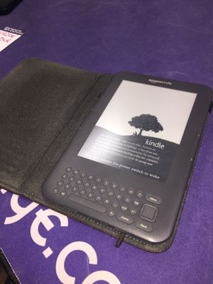 Amazon Kindle with Case for Sale in West Sacramento, CA