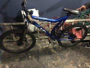 Giant VT1 27spd Mountain Bike for Sale in Boston, MA