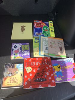 Kids Books Bundle for Sale in Fresno, CA