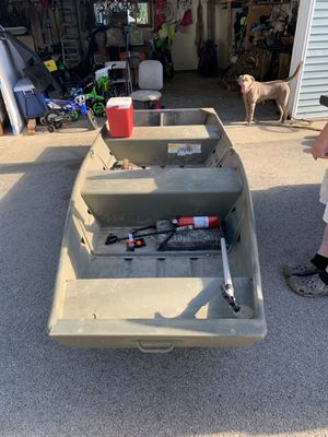 Tracker 12ft flat bottom. With 5hp air cooled tiller for Sale in West Chicago, IL