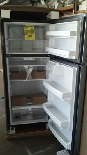 Brand new GE top freezer refrigerator stainless in a the box with full factory warranty $800 FREE DELIVERY Drop off only whitin a 20 miles radius. for Sale in Covina, CA