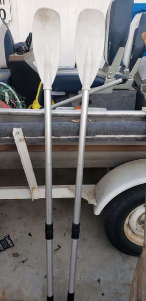 Achilles boat 🚢 paddles. for Sale in Fullerton, CA