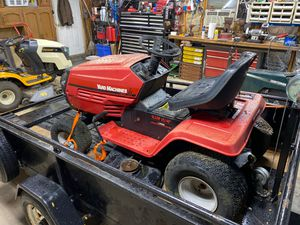 Yard machine riding tractor lawn mower 18.5 hp 7 speed for Sale in Roselle, IL
