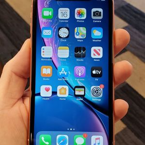 Unlocked Apple iPhone XR Phone Very Nice for Sale in Richardson, TX