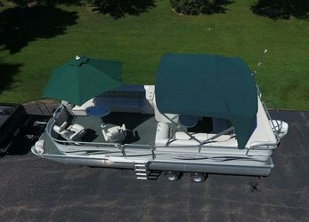 2006 Manitou Legacy Pontoon Boat and Trailer for Sale in San Diego,  CA