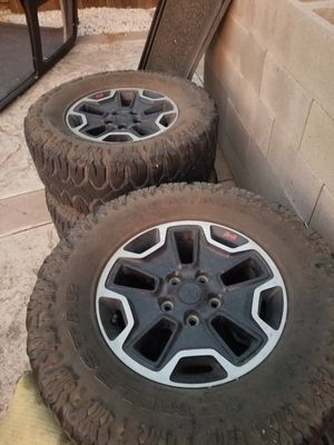 Jeep wrangler hardrock wheels for Sale in Patterson, CA
