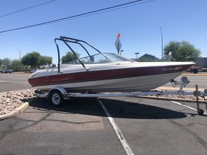 1997 Bayliner open bow 20 foot ski boat with a 350 motor runs excellent looking to sell today for Sale in Phoenix, AZ