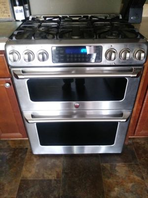 Stainless Steel Kitchen Appliance Package for Sale in Suffolk, VA