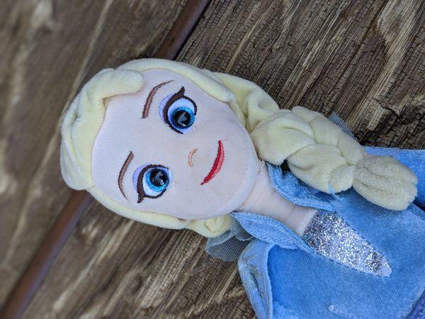 Disney LIKE NEW Elsa frozen / frozen 2 stuffed animal plush toy doll