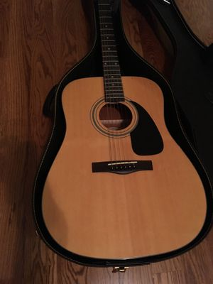 Fender Acoustic String guitar w/capo and case for Sale in Murfreesboro, TN