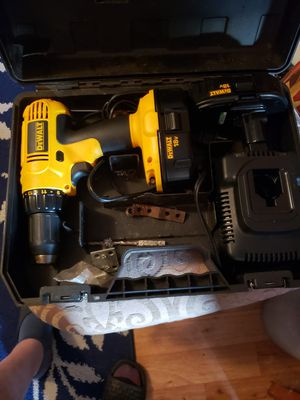 Dewalt 18V drill like new 2 batteries and charger 2 hour sale only for Sale in South Windsor, CT