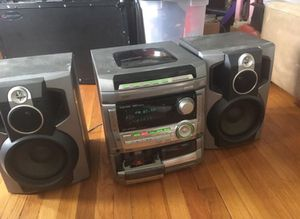 Aiwa stereo speaker sound system 5 cd changer for Sale in Milton, MA