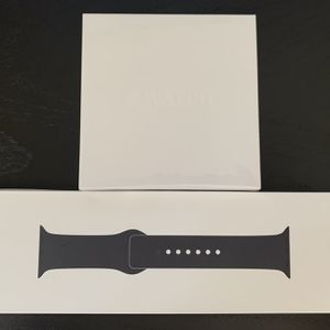 NiB Apple Watch Series 4 - 44mm - GPS + Cellular - Space Gray Aluminum Case - Black Sport Band for Sale in Miami, FL