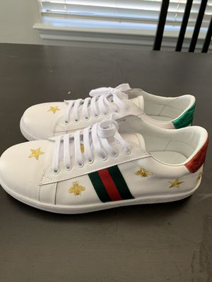 Gucci Snake Sneakers white Size 10 for Sale in Austin, TX