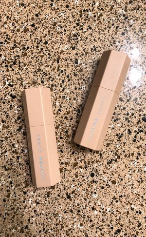 Fenty Beauty Sticks (WHATS YOUR OFFER) (CUÁL ES SU OFERTA) for Sale in Stafford, TX